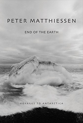 End of the Earth: Voyaging to Antarctica von National Geographic