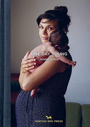 One Day Young von Hoxton Mini Press